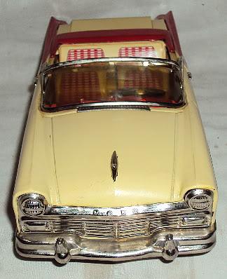 us car -  tôle - Tin Toys -  1950's & 1960's Dsc06410
