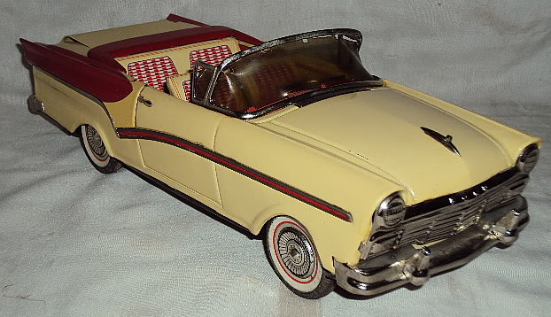 us car -  tôle - Tin Toys -  1950's & 1960's Dsc06411