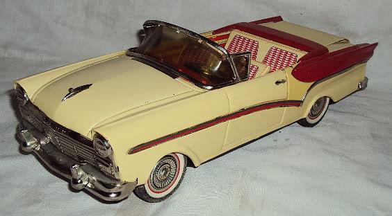 us car -  tôle - Tin Toys -  1950's & 1960's Dsc06412