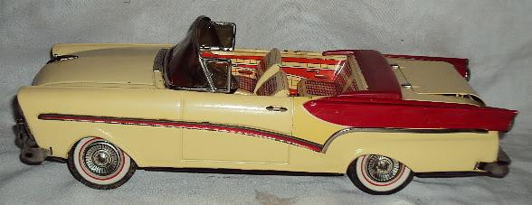 us car -  tôle - Tin Toys -  1950's & 1960's Dsc06413