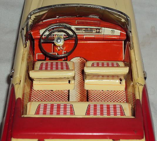 us car -  tôle - Tin Toys -  1950's & 1960's Dsc06417