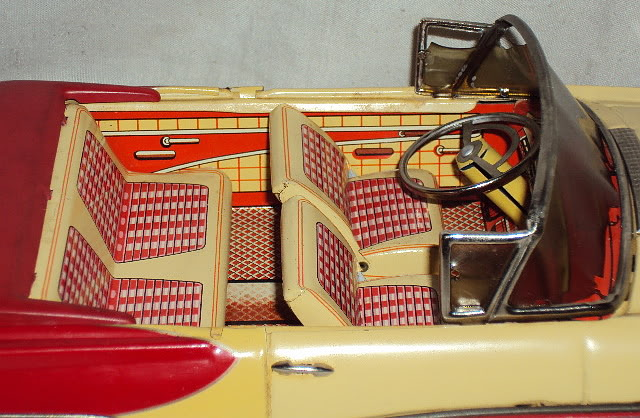 us car -  tôle - Tin Toys -  1950's & 1960's Dsc06420