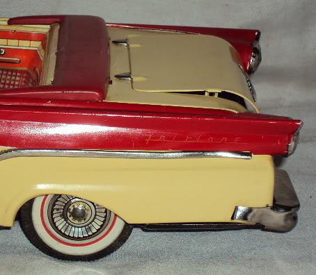 us car -  tôle - Tin Toys -  1950's & 1960's Dsc06710