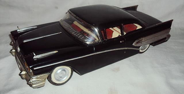 us car -  tôle - Tin Toys -  1950's & 1960's Dsc07411