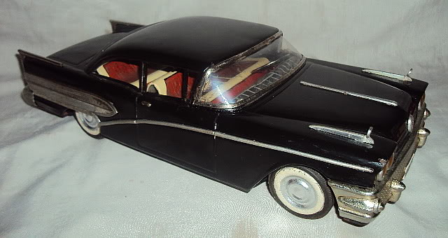 us car -  tôle - Tin Toys -  1950's & 1960's Dsc07412