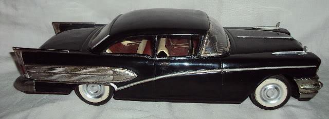 us car -  tôle - Tin Toys -  1950's & 1960's Dsc07413