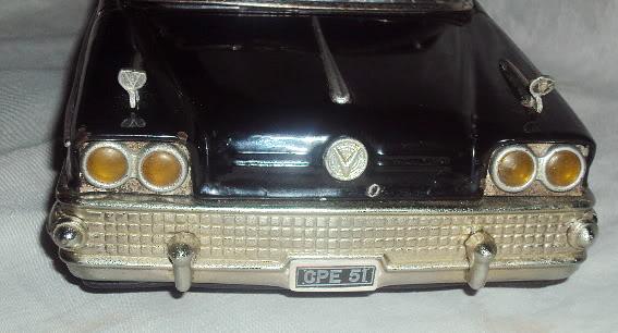 us car -  tôle - Tin Toys -  1950's & 1960's Dsc07415