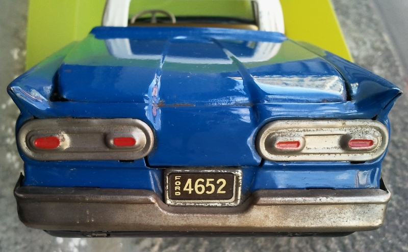 us car -  tôle - Tin Toys -  1950's & 1960's Img20112