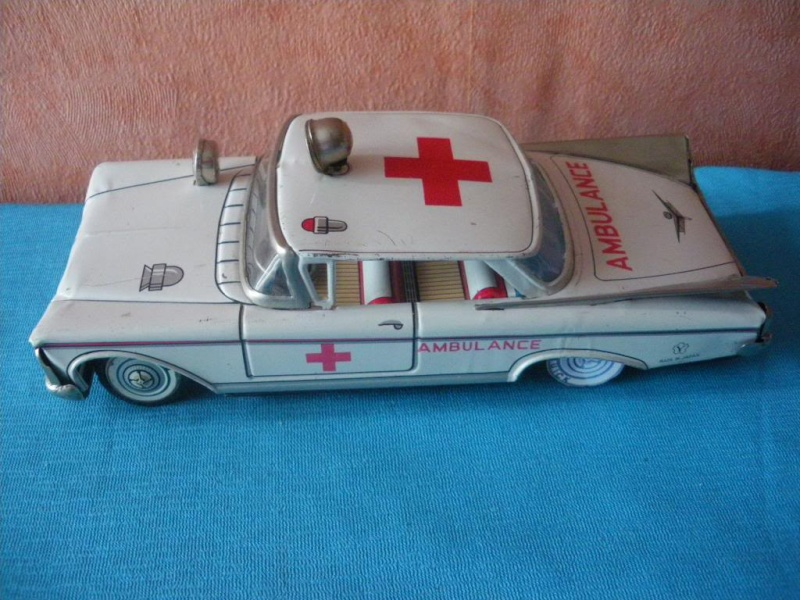 us car -  tôle - Tin Toys -  1950's & 1960's Imgp8910