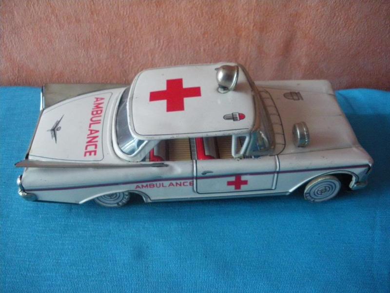 us car -  tôle - Tin Toys -  1950's & 1960's Imgp8912
