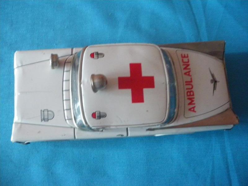 us car -  tôle - Tin Toys -  1950's & 1960's Imgp8914