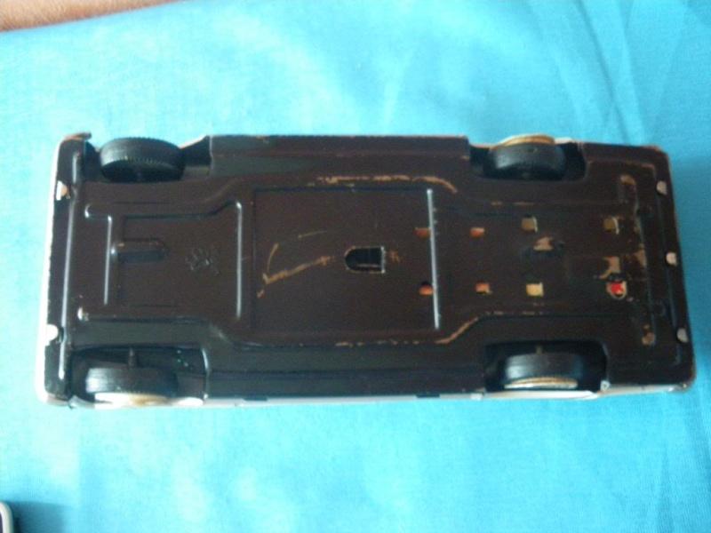 us car -  tôle - Tin Toys -  1950's & 1960's Imgp8915
