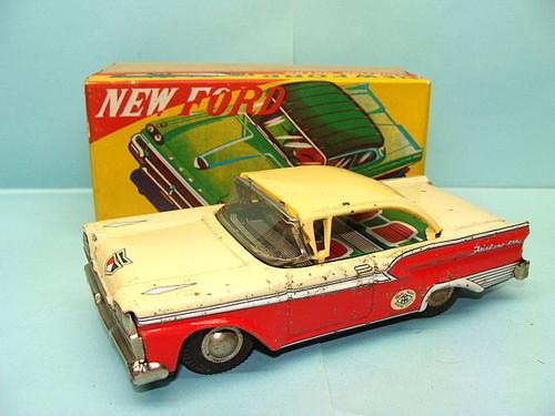 us car -  tôle - Tin Toys -  1950's & 1960's Kgrhqe10