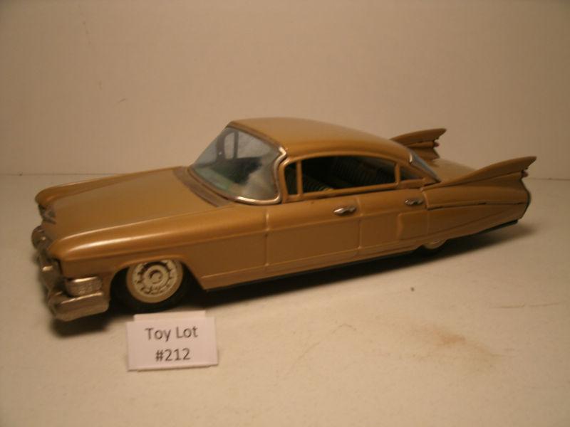 us car -  tôle - Tin Toys -  1950's & 1960's Kgrhqj11