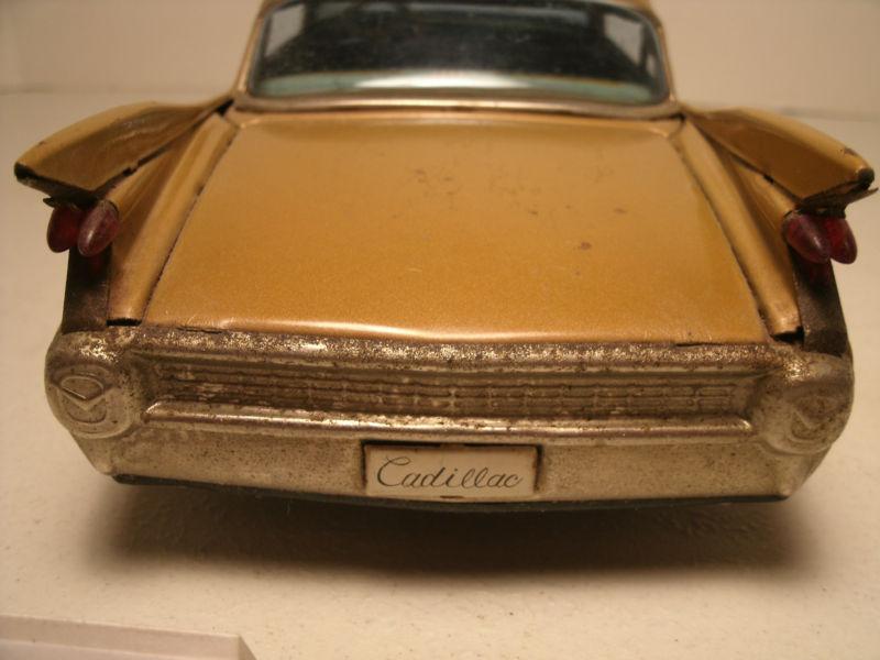 us car -  tôle - Tin Toys -  1950's & 1960's Kgrhqn14
