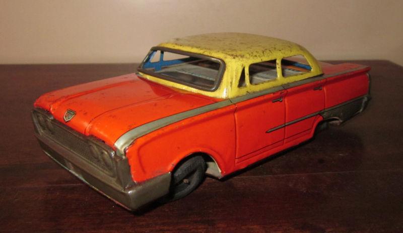 us car -  tôle - Tin Toys -  1950's & 1960's Kgrhqn16