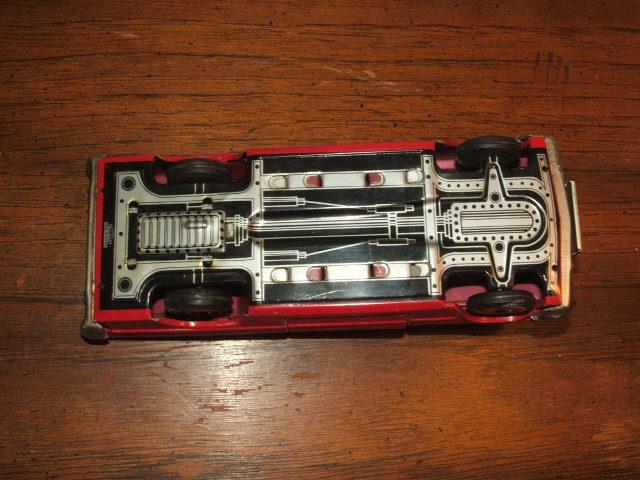 us car -  tôle - Tin Toys -  1950's & 1960's Kgrhqn18