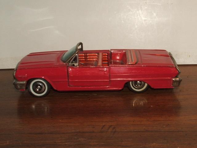us car -  tôle - Tin Toys -  1950's & 1960's Kgrhqn19