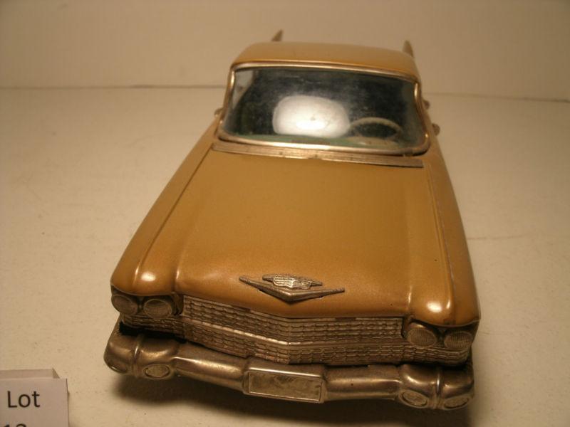 us car -  tôle - Tin Toys -  1950's & 1960's Kgrhqr10