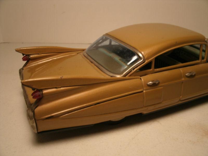 us car -  tôle - Tin Toys -  1950's & 1960's Kgrhqr11