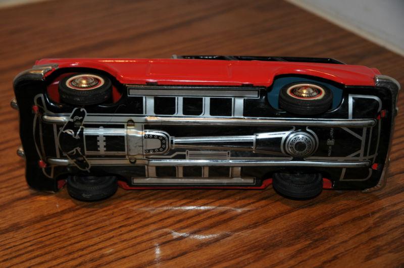 us car -  tôle - Tin Toys -  1950's & 1960's Kgrhqv11