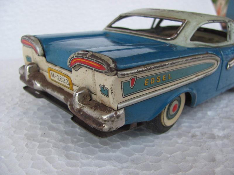 us car -  tôle - Tin Toys -  1950's & 1960's Kgrhqv13