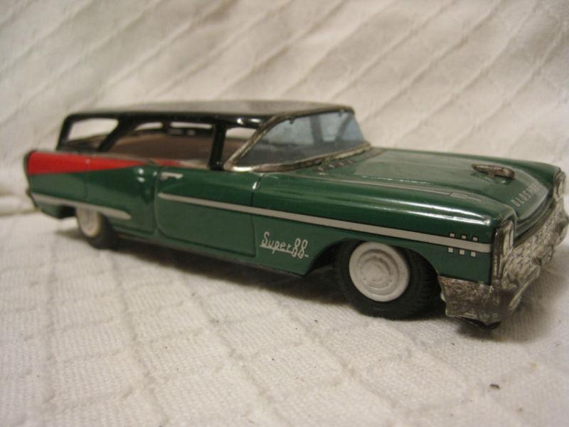 us car -  tôle - Tin Toys -  1950's & 1960's Kgrhqv16