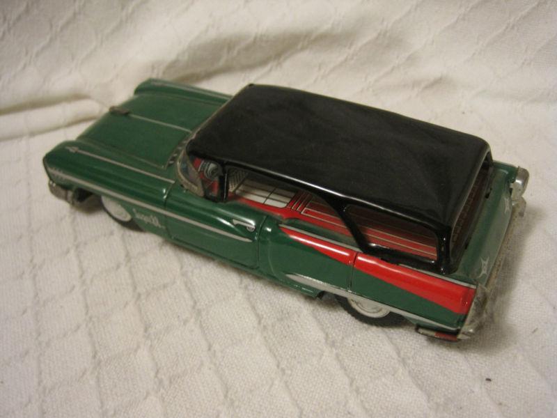 us car -  tôle - Tin Toys -  1950's & 1960's Kgrhqv17