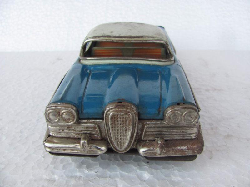 us car -  tôle - Tin Toys -  1950's & 1960's Kgrhqz10