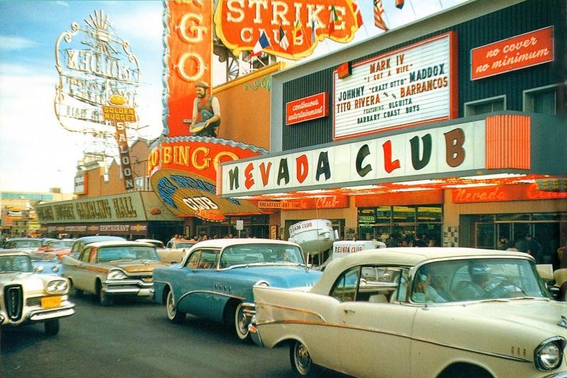 Rues fifties et sixties avec autos - 1950's & 1960's streets with cars Lasveg10