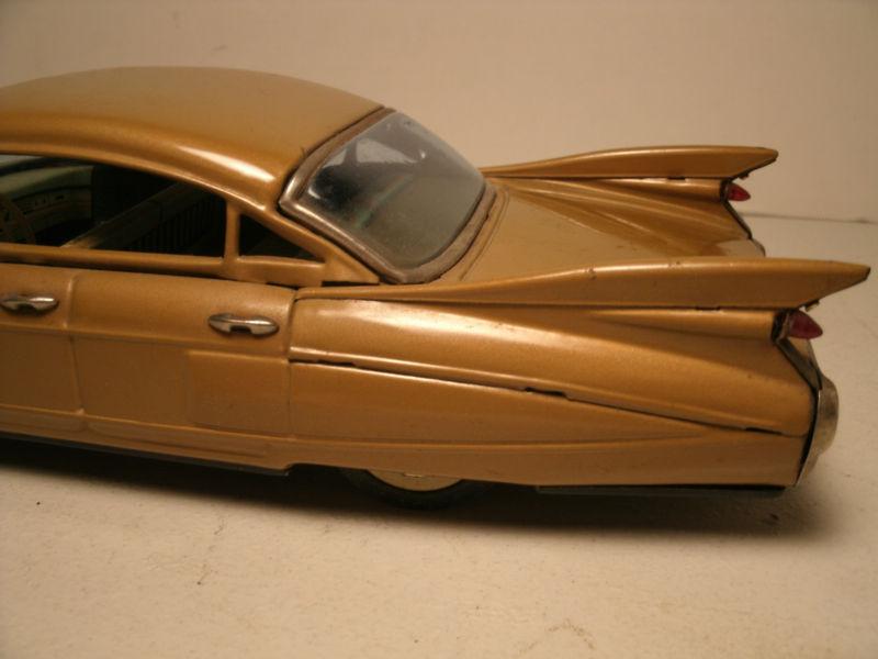 us car -  tôle - Tin Toys -  1950's & 1960's T2ec1617