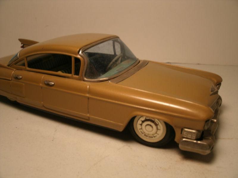 us car -  tôle - Tin Toys -  1950's & 1960's T2ec1618