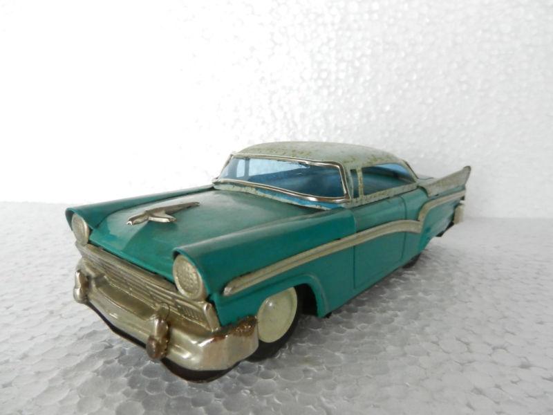 us car -  tôle - Tin Toys -  1950's & 1960's T2ec1624