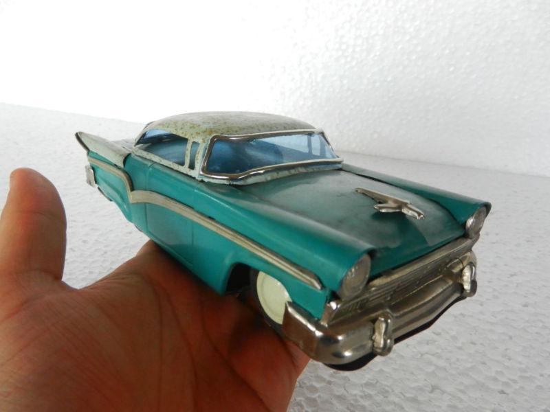 us car -  tôle - Tin Toys -  1950's & 1960's T2ec1626