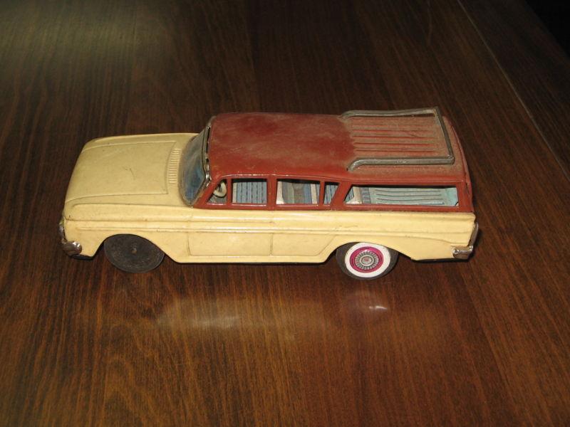 us car -  tôle - Tin Toys -  1950's & 1960's - Page 2 T2ec1639