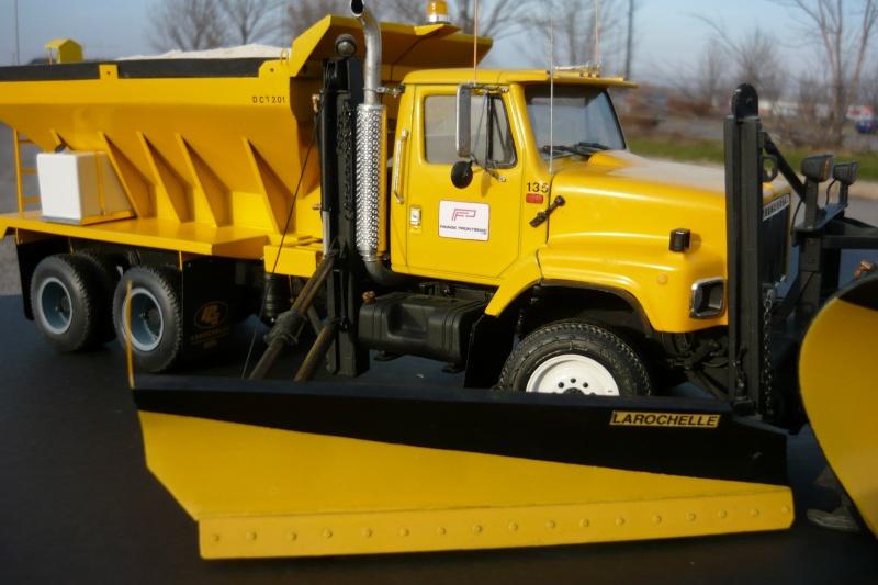 international serie S avec équipement  à neige P1100249