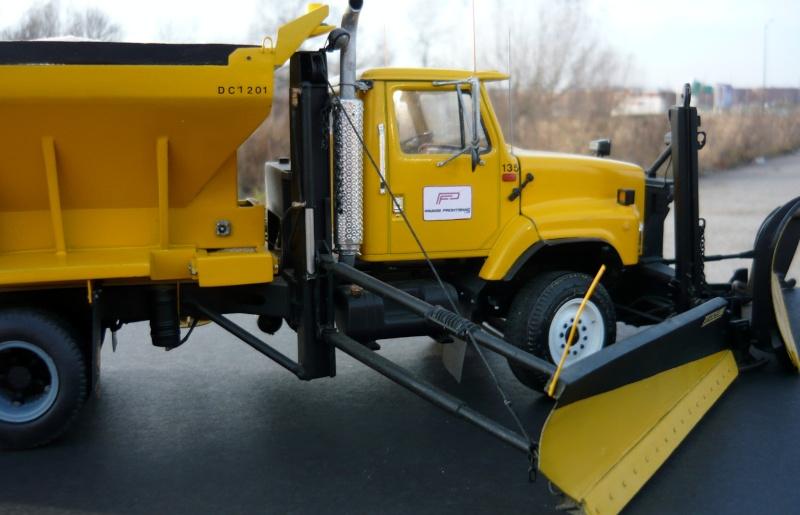 international serie S avec équipement  à neige P1100250