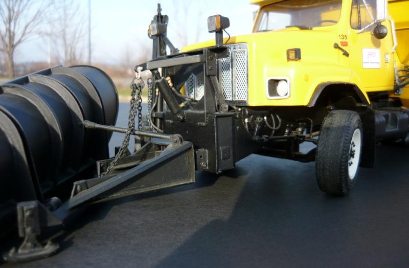 international serie S avec équipement  à neige P1100254