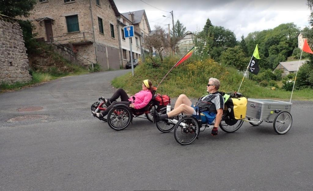 HELP : quel modèle de tente pour vélo - 2 adultes/3 enfants Gilles13