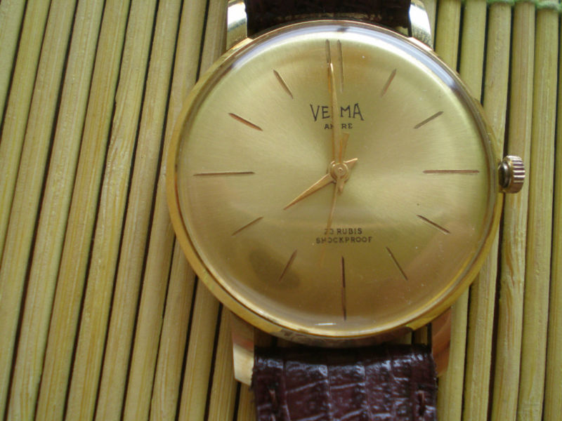 Marques d'emprunt ou d'exportation des montres soviétiques Kgrhqf10