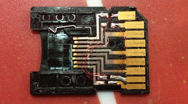 Modification d'un adaptateur micro SD en GameCard 810