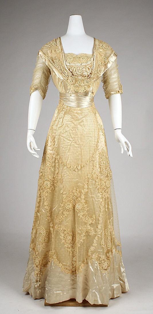 Tenues vestimentaires 1911/1912 21814310