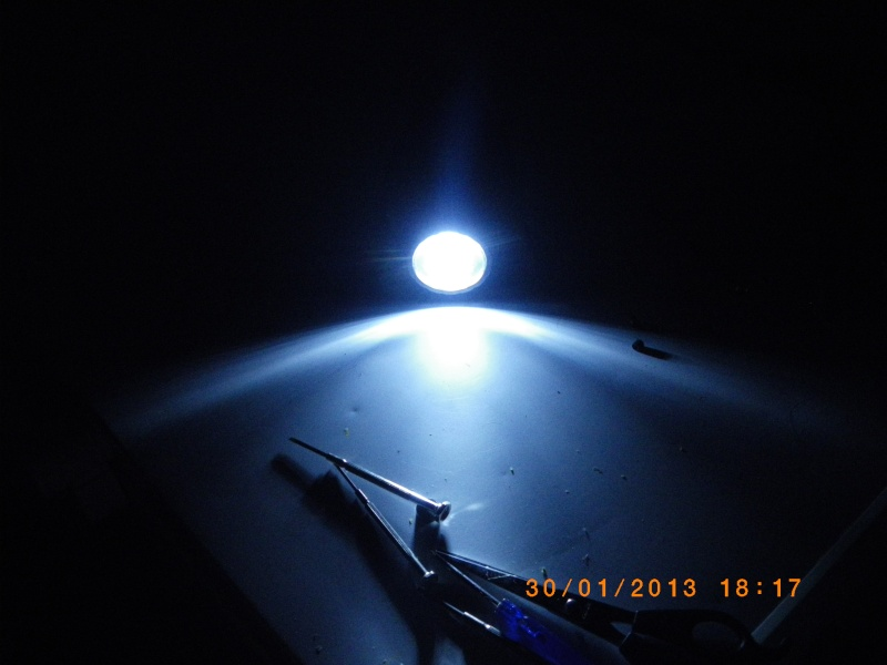 [Test Matériel] Radio/Lampe à dynamo de chez carouf Imgp0015