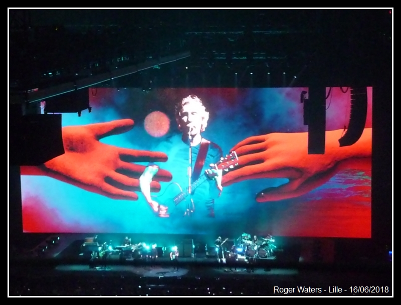 ROGER WATERS - Lille - Stade Pierre Mauroy - 16 juin 2018 - Page 8 Roger_14