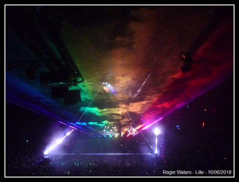 ROGER WATERS - Lille - Stade Pierre Mauroy - 16 juin 2018 - Page 8 Roger_18