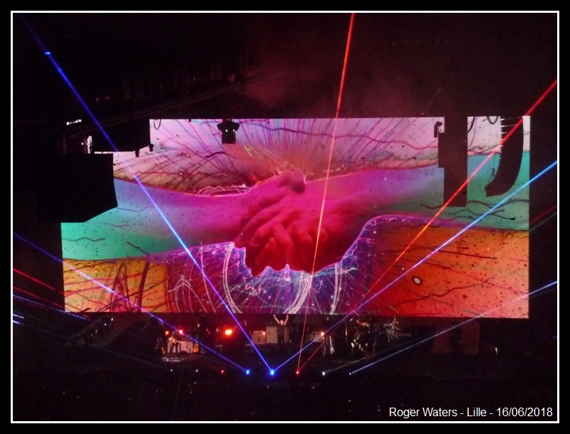 ROGER WATERS - Lille - Stade Pierre Mauroy - 16 juin 2018 - Page 8 Roger_19
