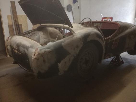 Triumph TR2 de 1954, sortie de grange...  Img_2011