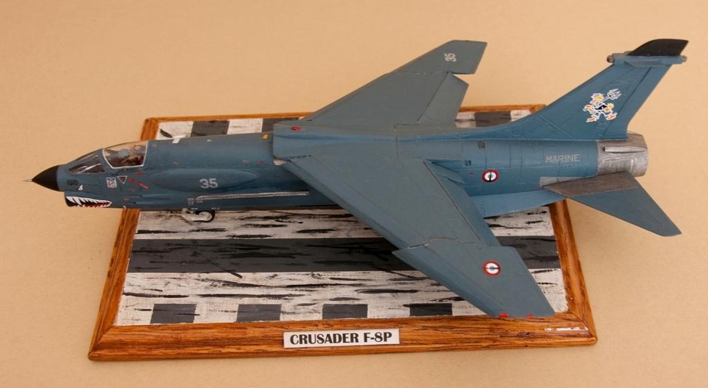 Avions 1/72 Crusad10