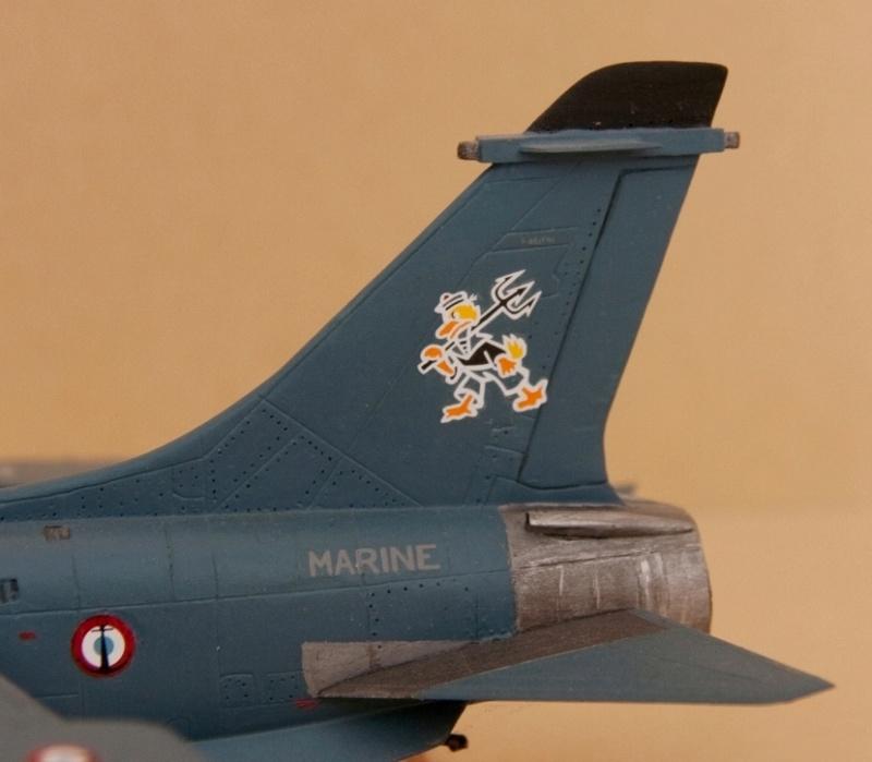 [Montage fini] A-7E Corsair II - 1/72 - Page 3 Crusad11