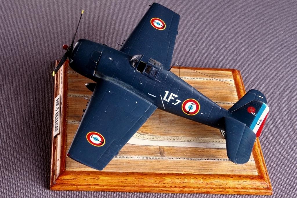 Avions 1/72 F6f-5_10